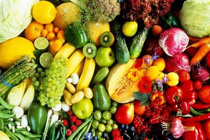 Nutrition is a maze. In this article, we ask why.