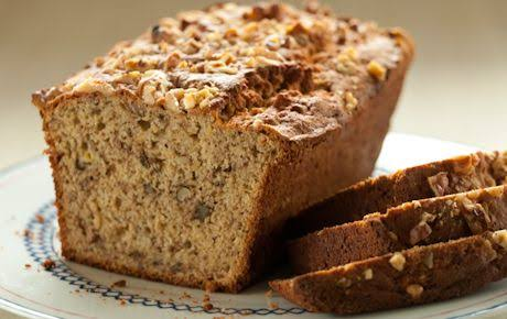 Bulky grains, like those contained in bread, can worsen Crohn's disease.