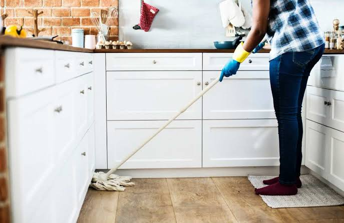 Kitchen hygiene is the key to preventing food poisoning.