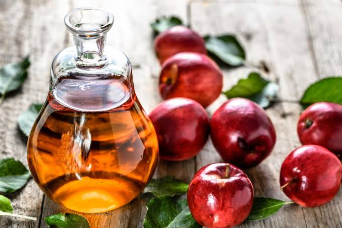 Apple cider vinegar contains polyphenols, which may protect skin cells.