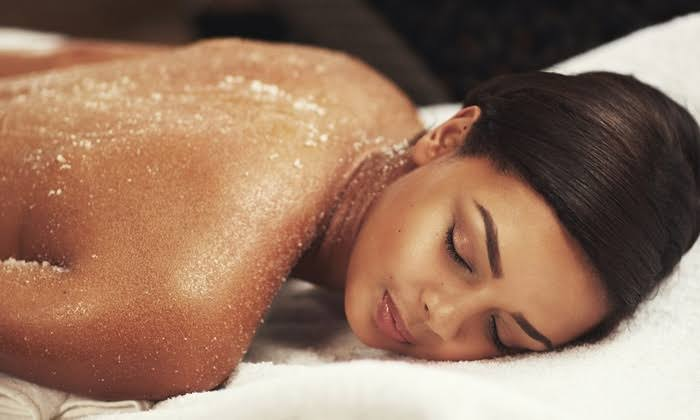 Exfoliating scrubs can help reduce black neck by removing dead skin.