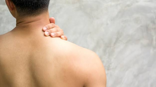 Pain, weakness, and tingling are common symptoms of MS.
