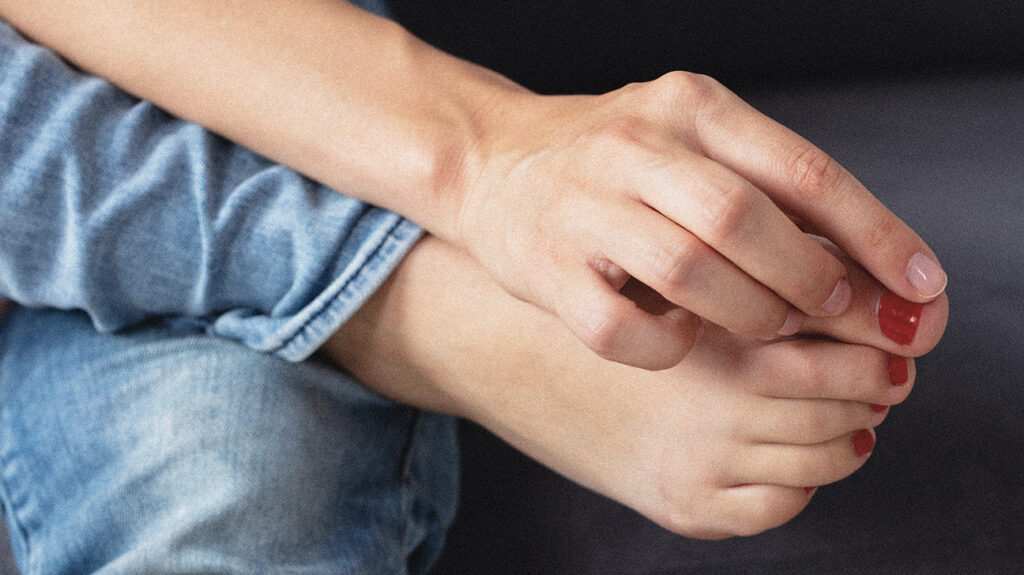 People can effectively treat ingrown toenails at home over a few days.