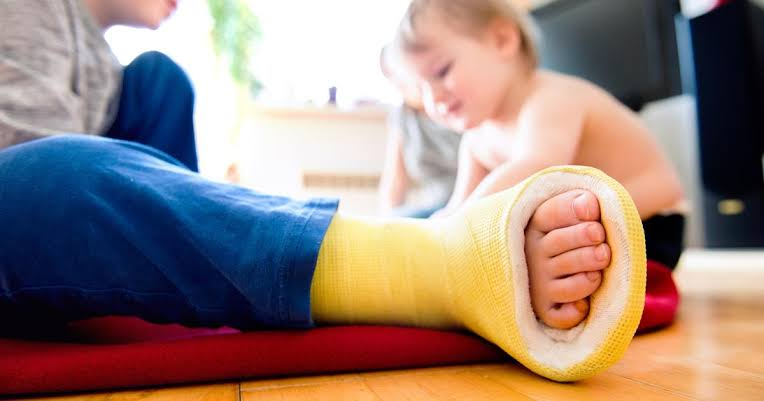 Medical intervention focuses on supporting the bone as it heals naturally.