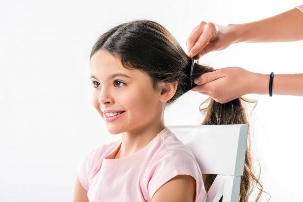 A fine-toothed comb can be used to help detect lice.